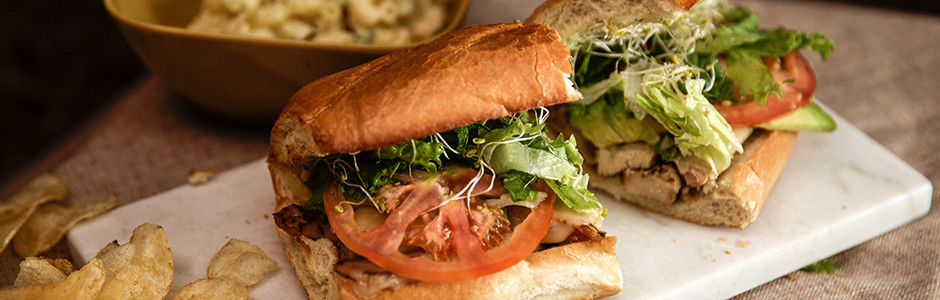 mickeys-deli-hermosa-chicken-sandwich-from-their-sandwich-menu